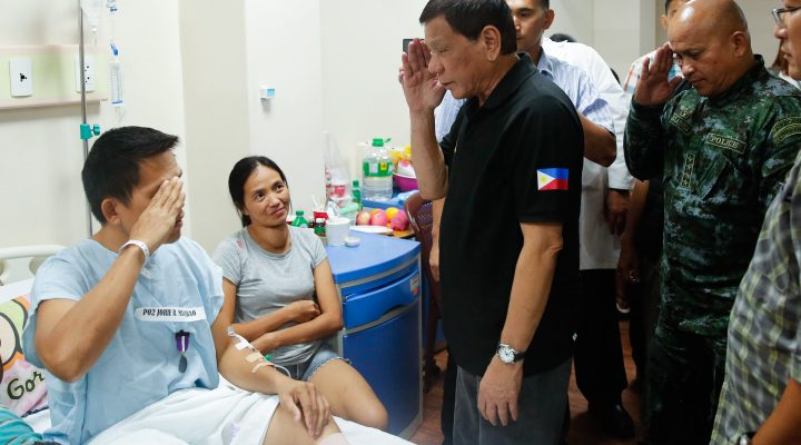 PRRD Visits Wounded Police Officers in Dumaguete and Guihulngan