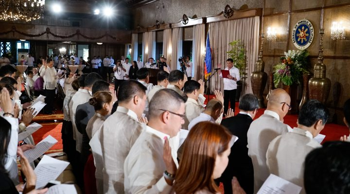 PRRD Administers oath of office for newly-appointed officials