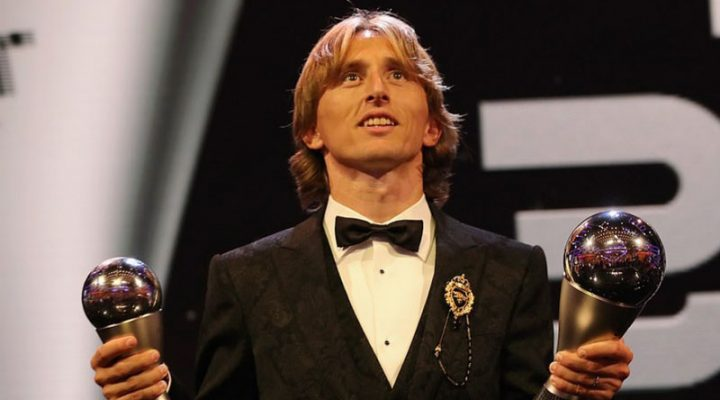 Luka Modric nasungkit ang FIFA best player of the year award
